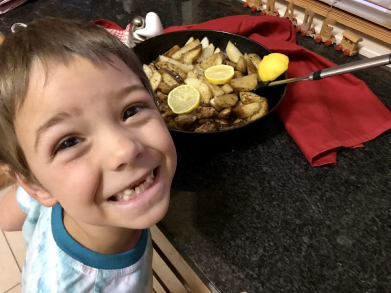 one-pan-garlic-butter-chicken-potatoes-mammachefjozi-family-dinner-recipes